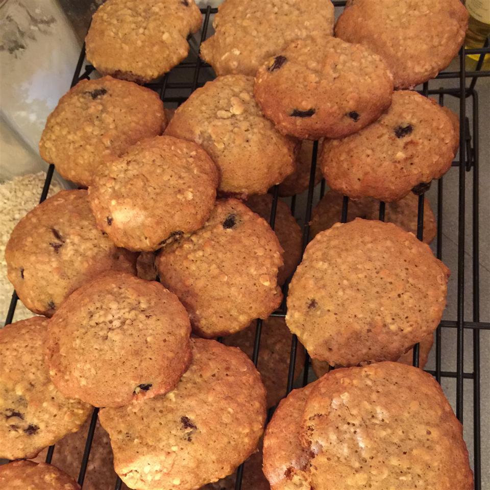 Oatmeal Raisin Cookies V ReRe Borwick