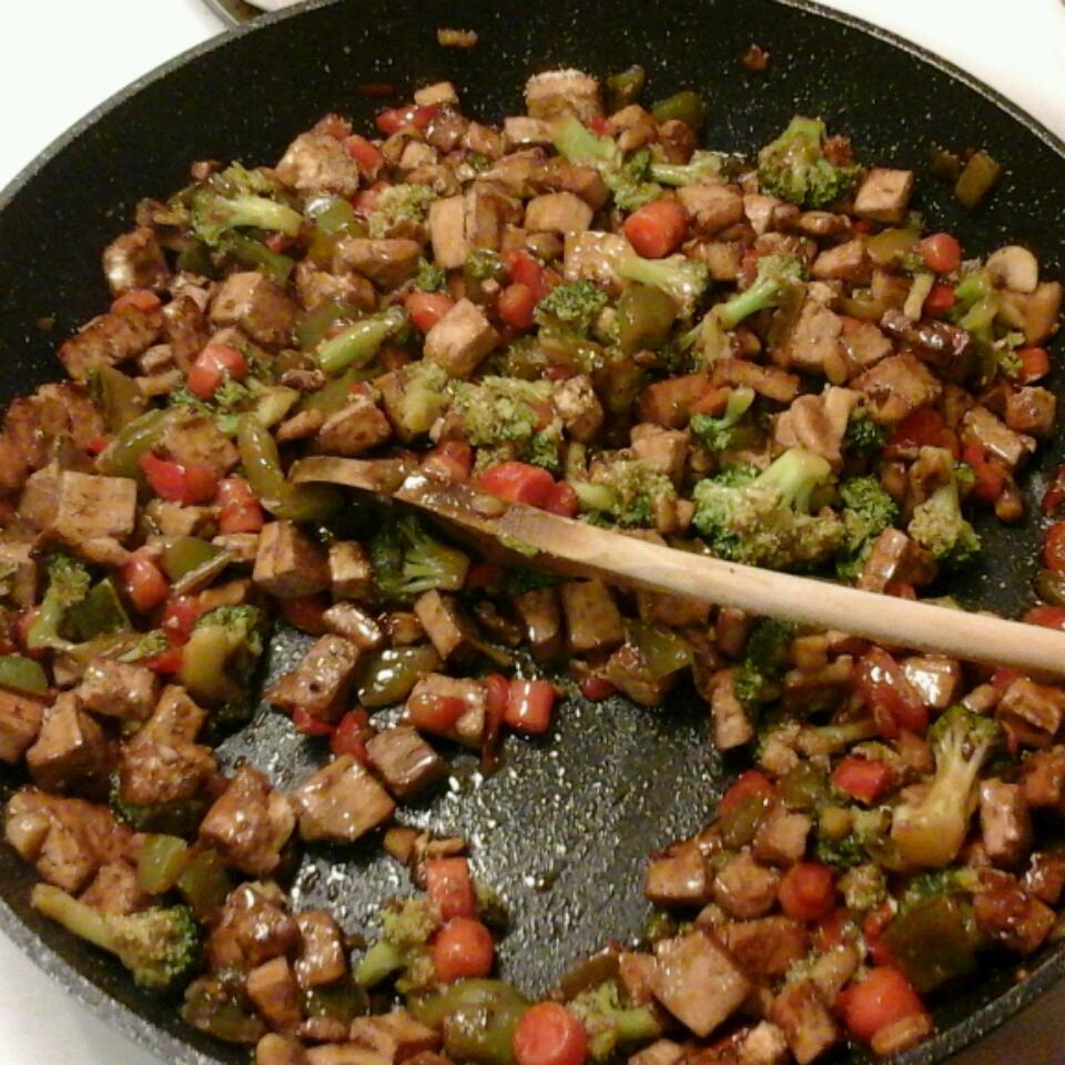 Broccoli and Tofu Stir Fry Jocelyn Lloyd