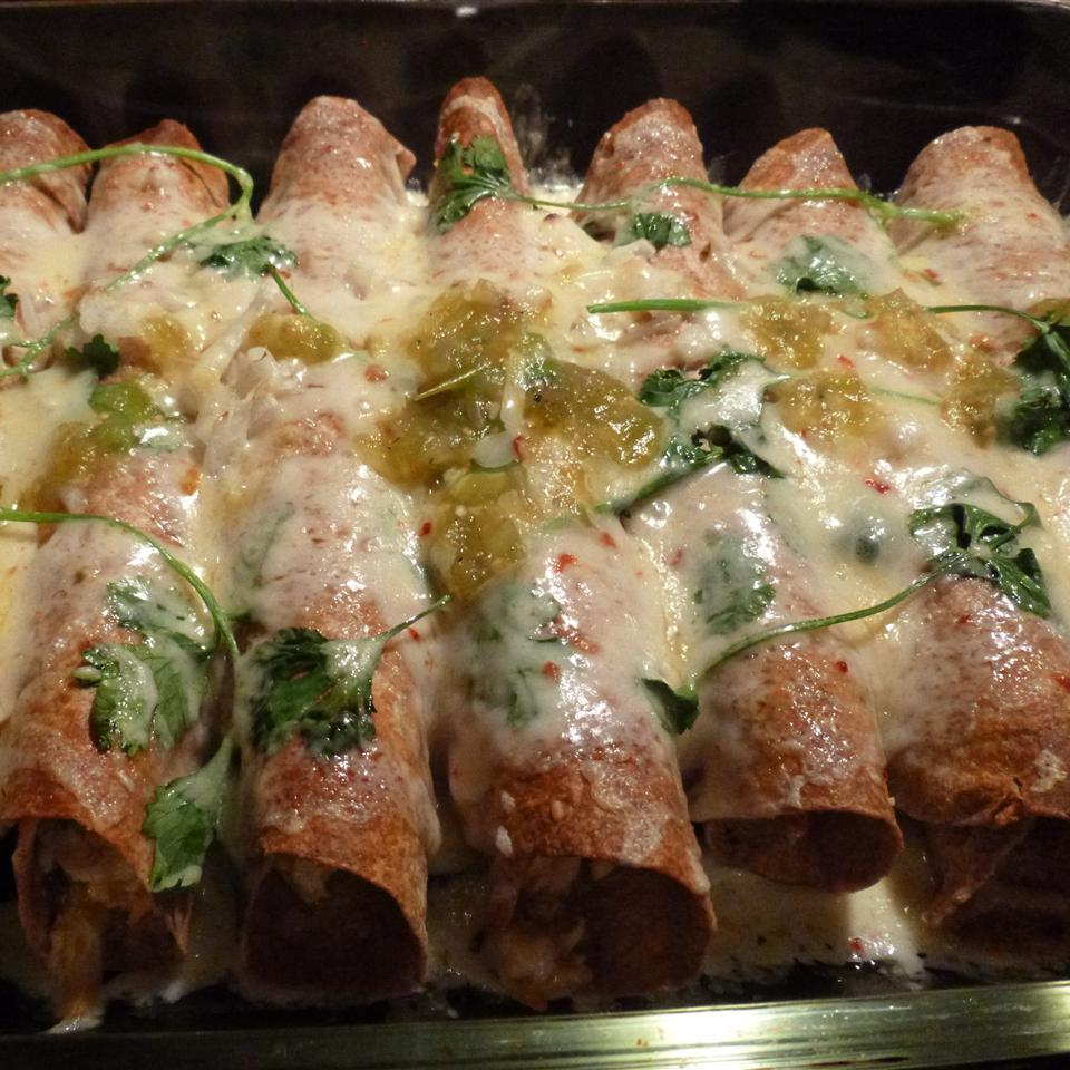 Chicken Enchiladas Verdes AcaCandy