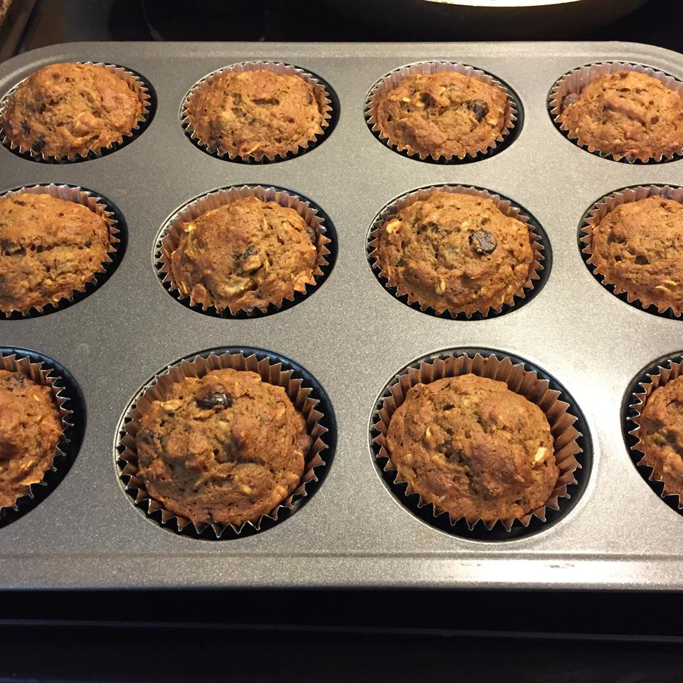 Healthy Banana Chocolate Chip Oat Muffins