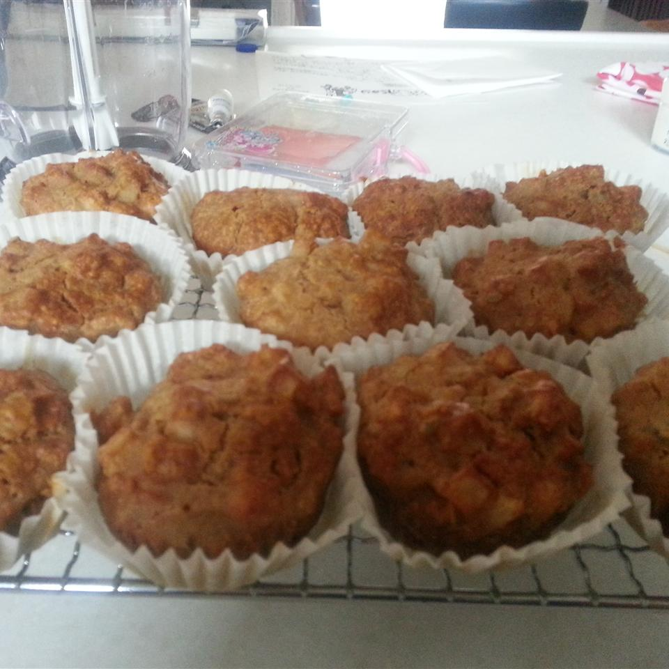 Awesome Apple Muffins Fiochan