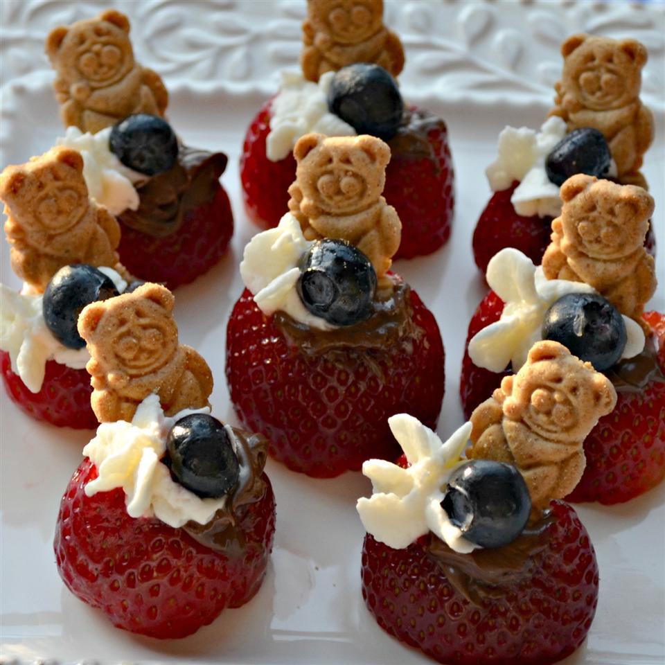 Strawberry Graham Cracker Bites