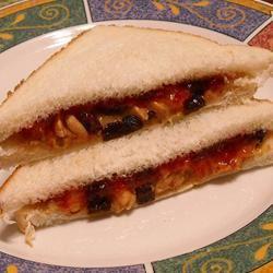 Fruity Peanut Butter Sandwich ~TxCin~ILove2Ck