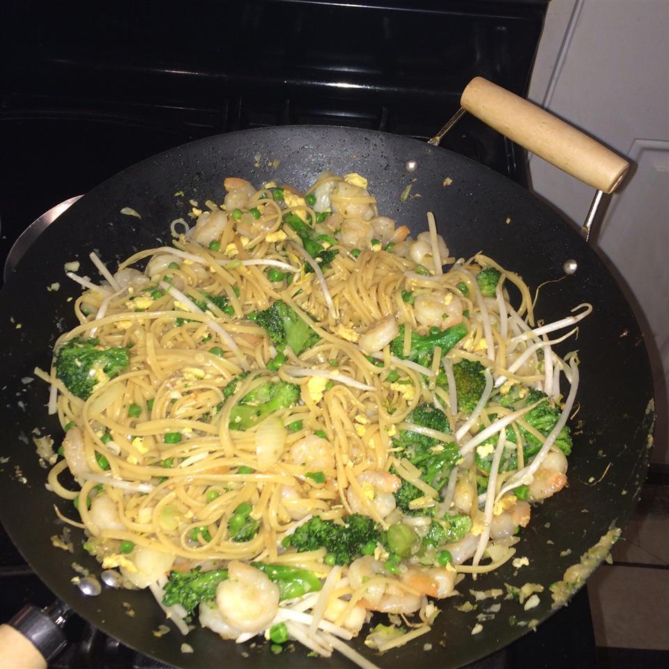 Shrimp Lo Mein with Broccoli