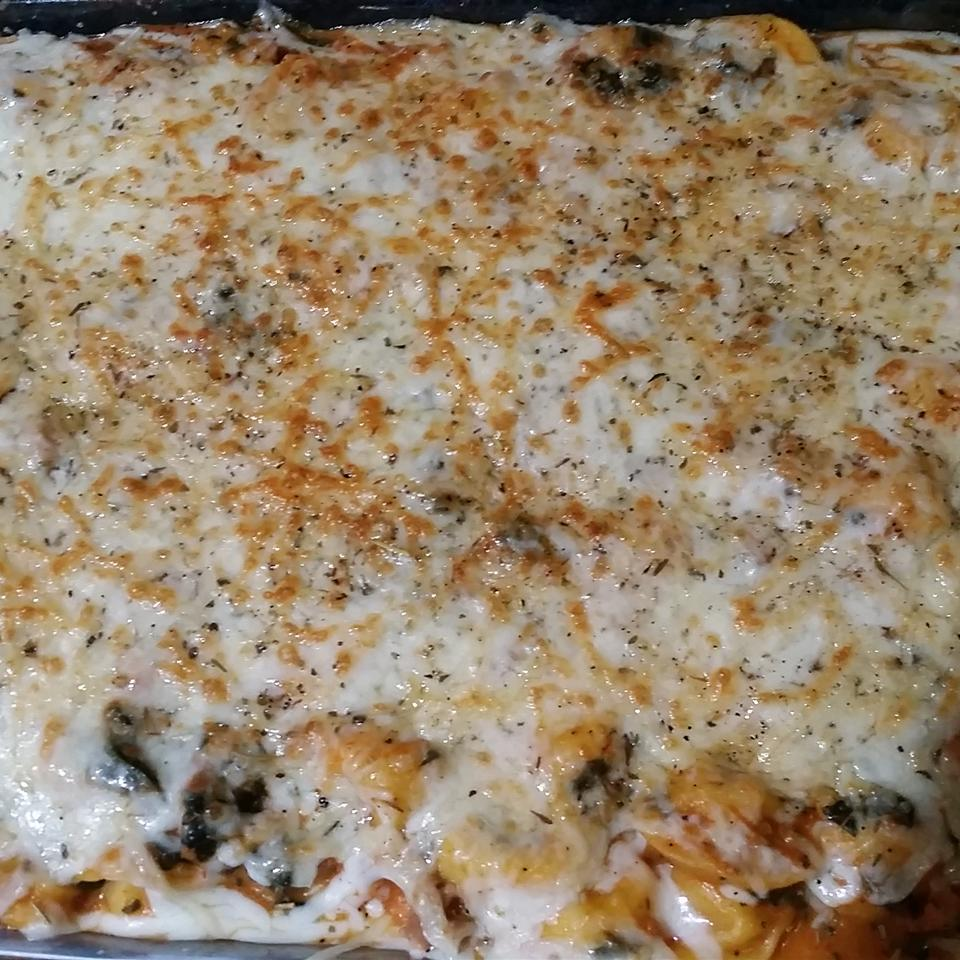 Easy, Cheesy Tortellini Bake Lisa Fox Cardennis