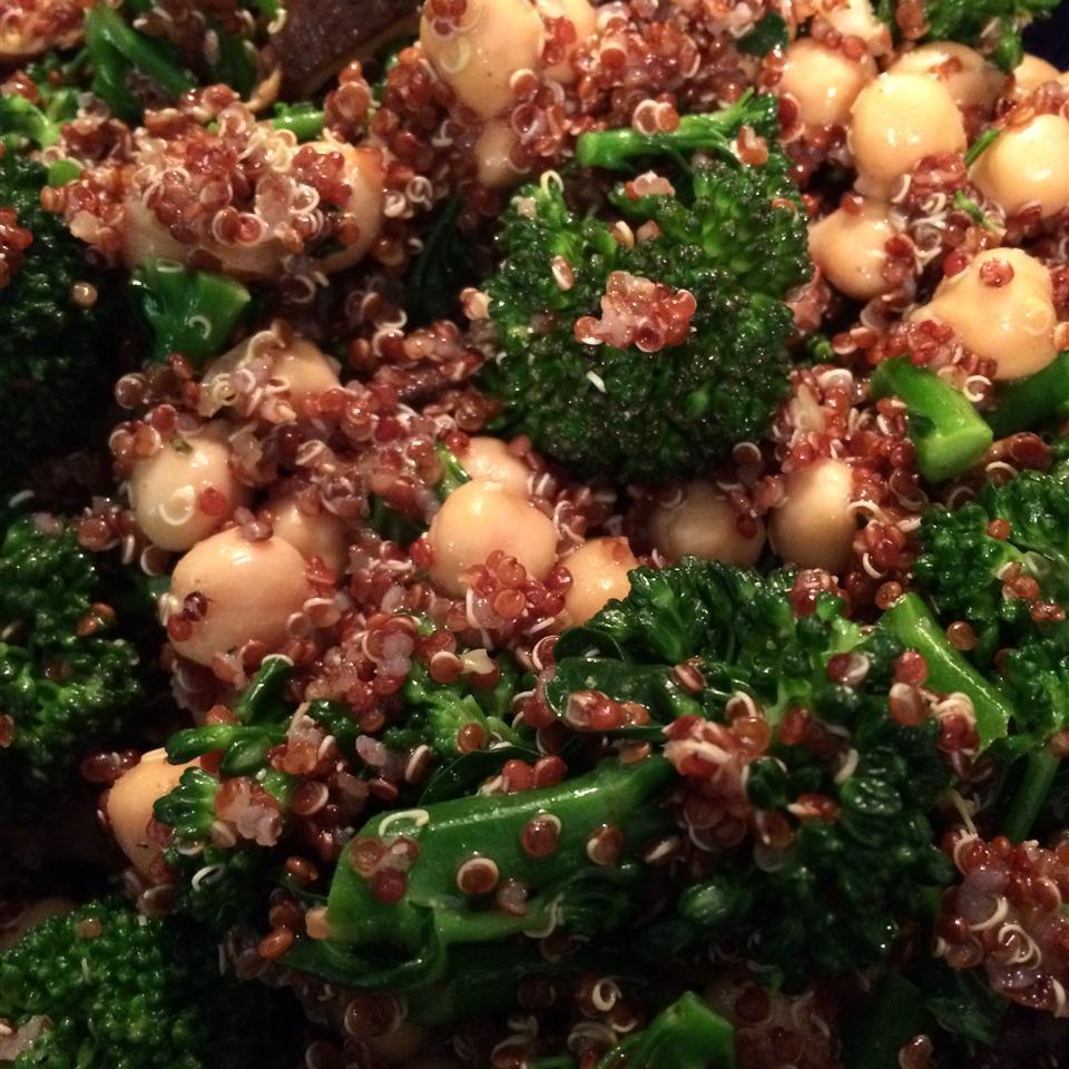 Garlicky Quinoa and Garbanzo Bean Salad