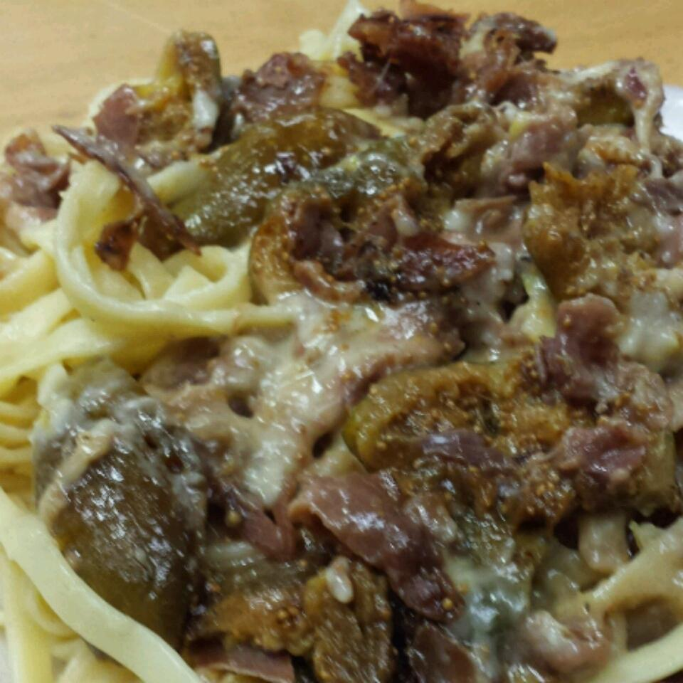 Fresh Fig and Prosciutto Pasta Sauce Janet Logan
