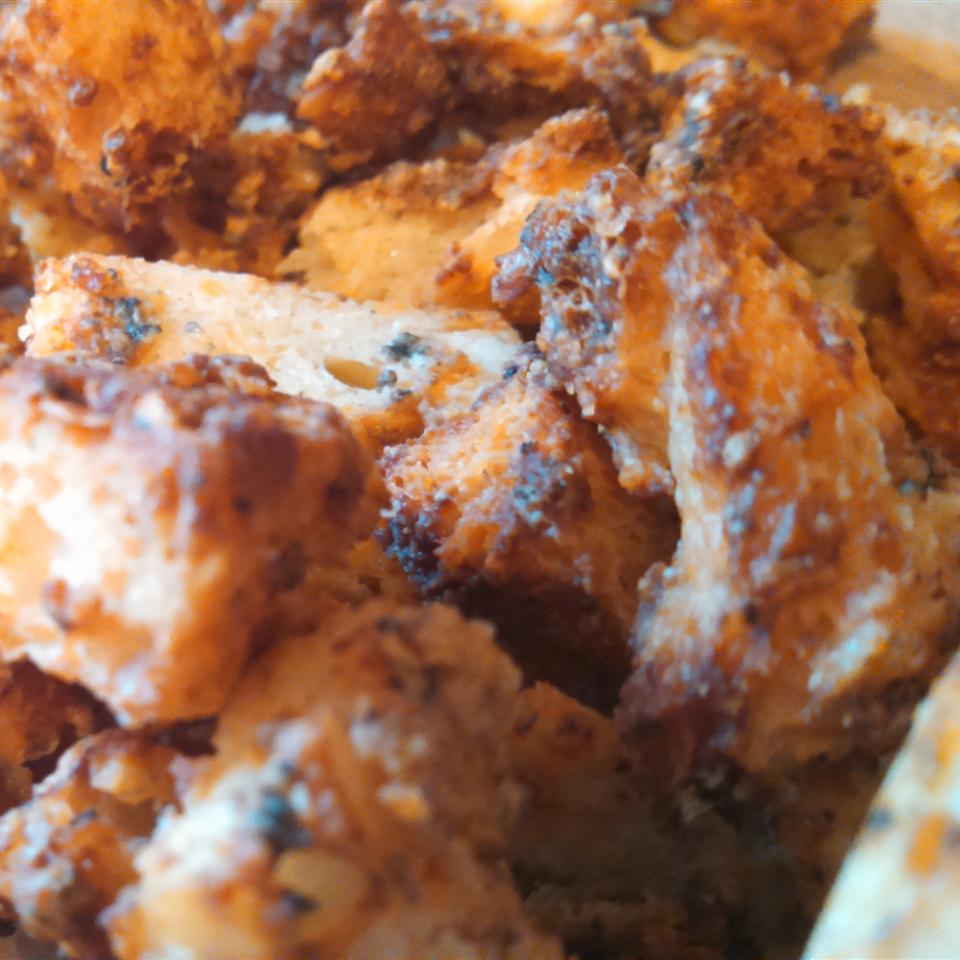 Bluetons (Blue Cheese Croutons) Potatoez