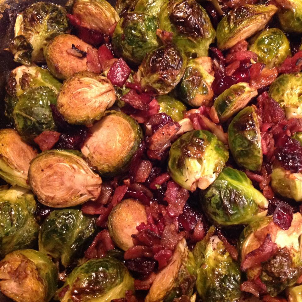 Roasted Brussels Sprouts with Cranberries helesi