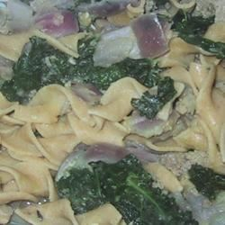 Vegan Lentil, Kale, and Red Onion Pasta sueb