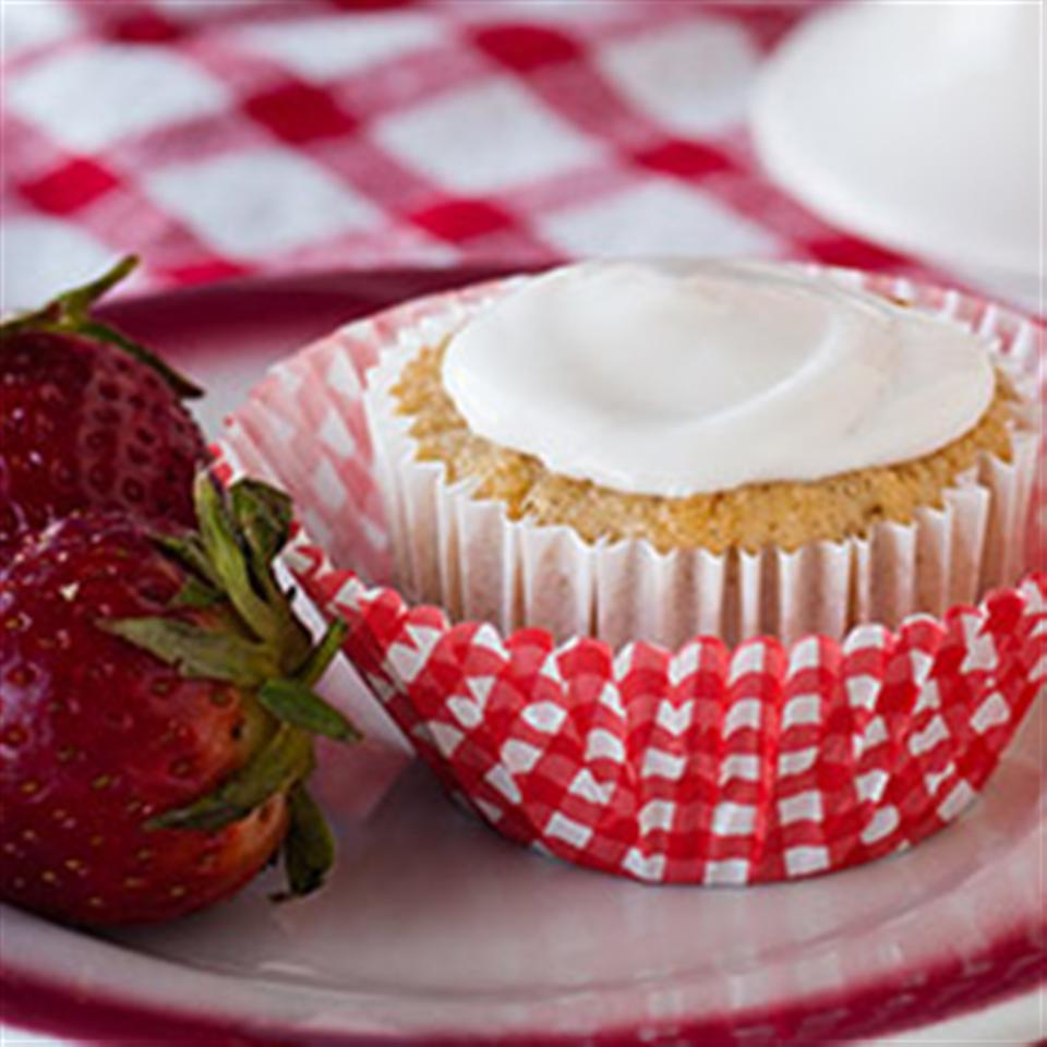 Strawberry Cupcakes with Strawberry Icing