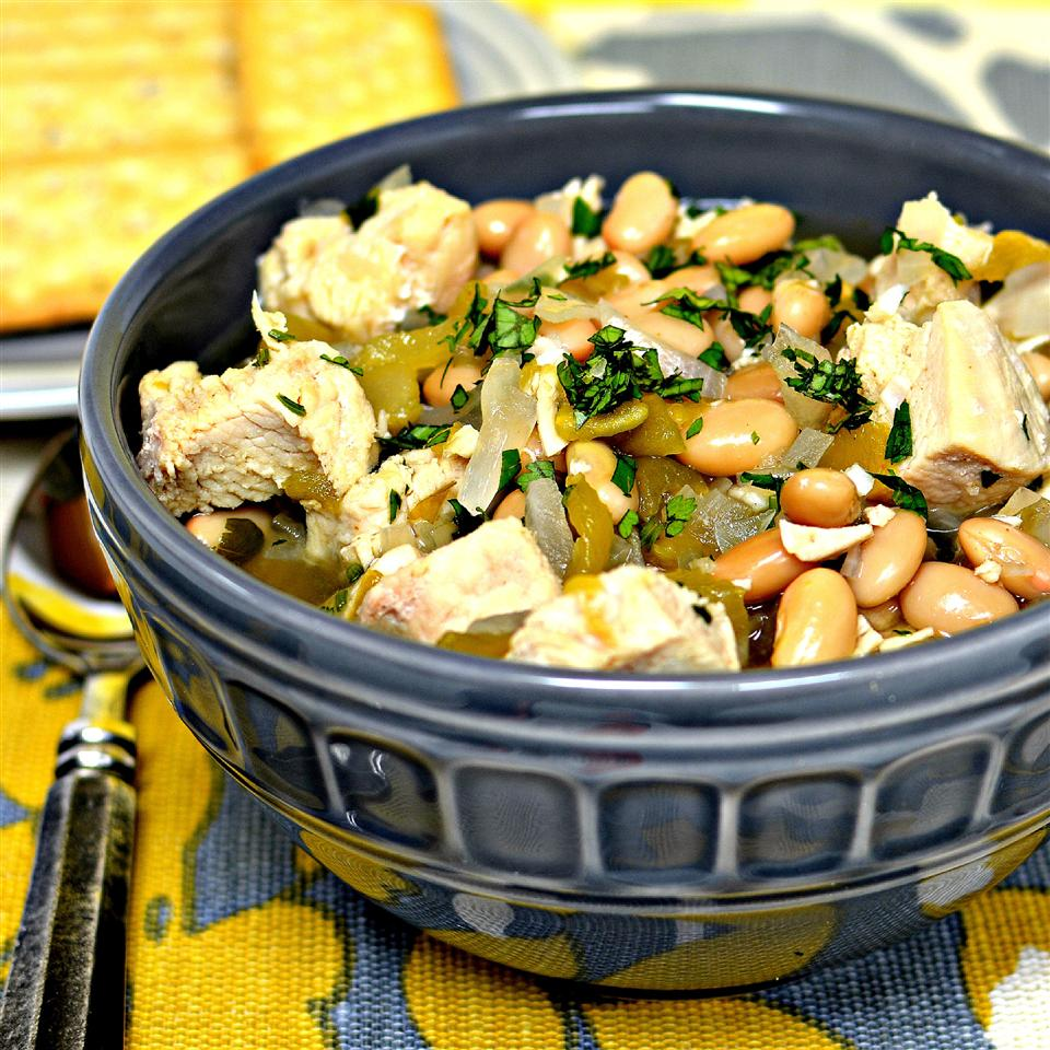 Simple Chicken and White Bean Soup