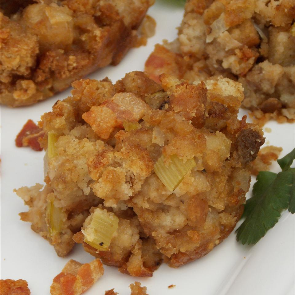 Thanksgiving Bacon Stuffing