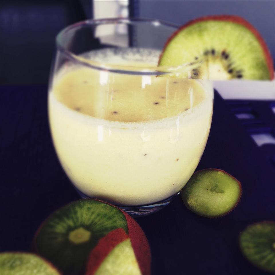 Kiwi-Banana-Pineapple-Orange Smoothie Buckwheat Queen