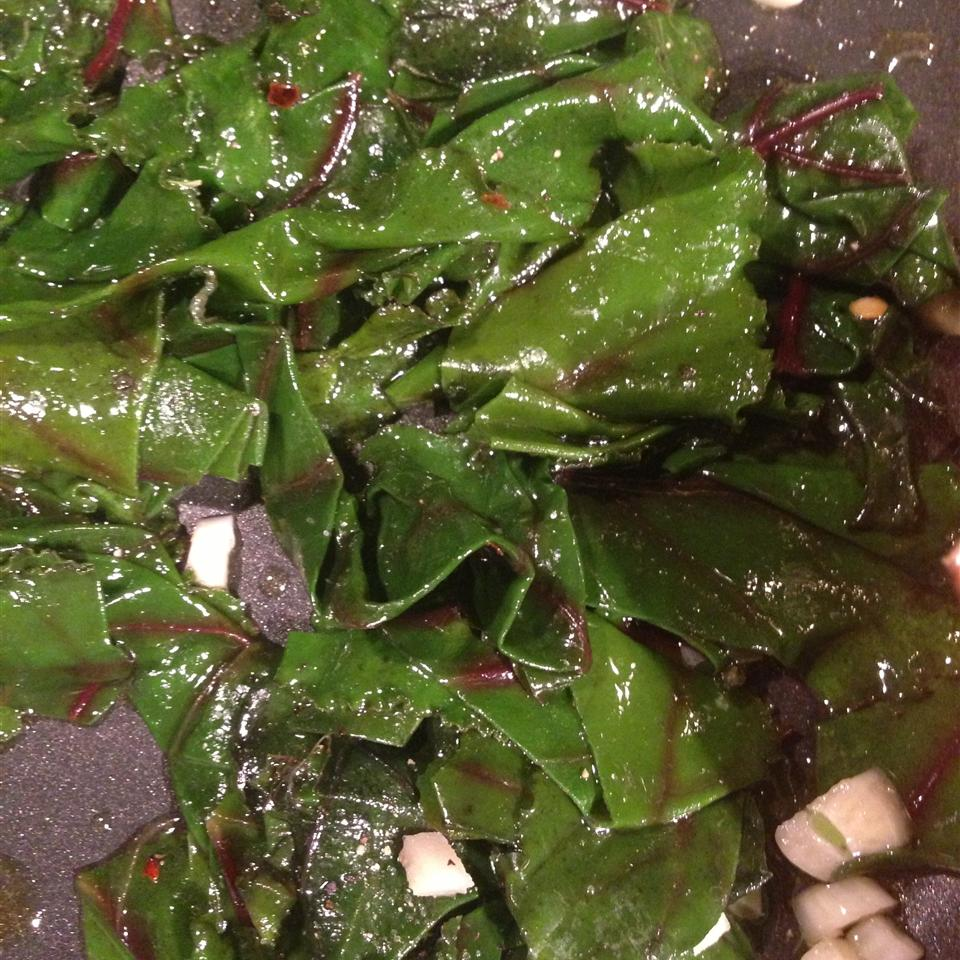 Simple and Delicious Beet Greens Leslie