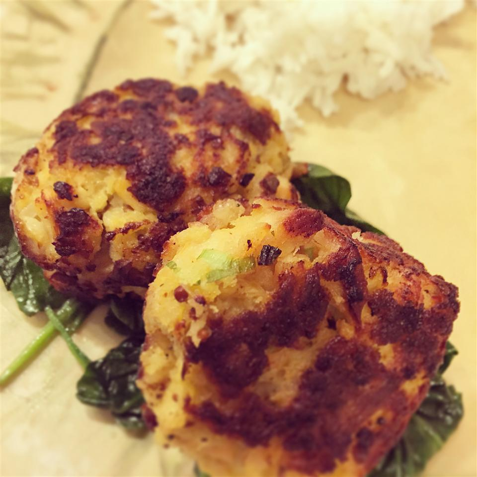 Salmon Cakes by Melt® Buttery Spread Kat