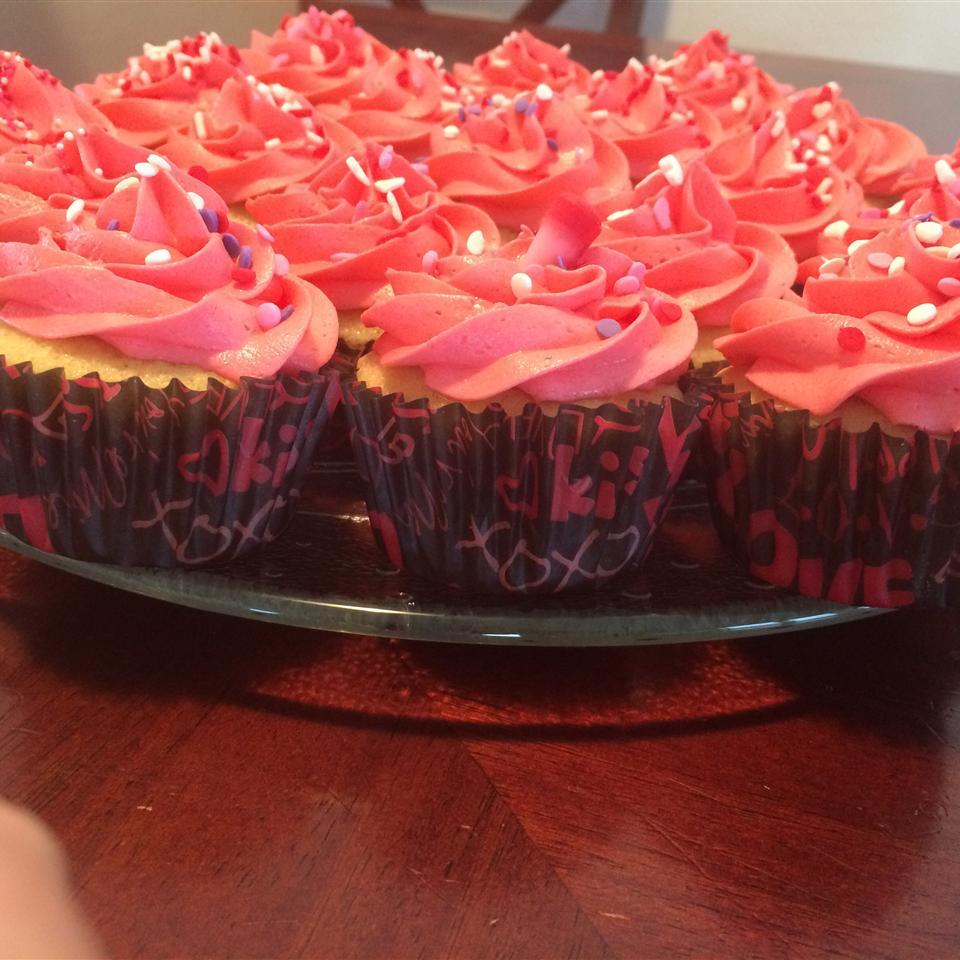 Easy Valentine's Day Cake Kelli Siebeck