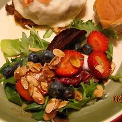 Spinach Salad With Berries and Curry Dressing ~TxCin~ILove2Ck