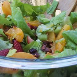 The Really Good Salad Recipe with Pieces of Fruit pomplemousse