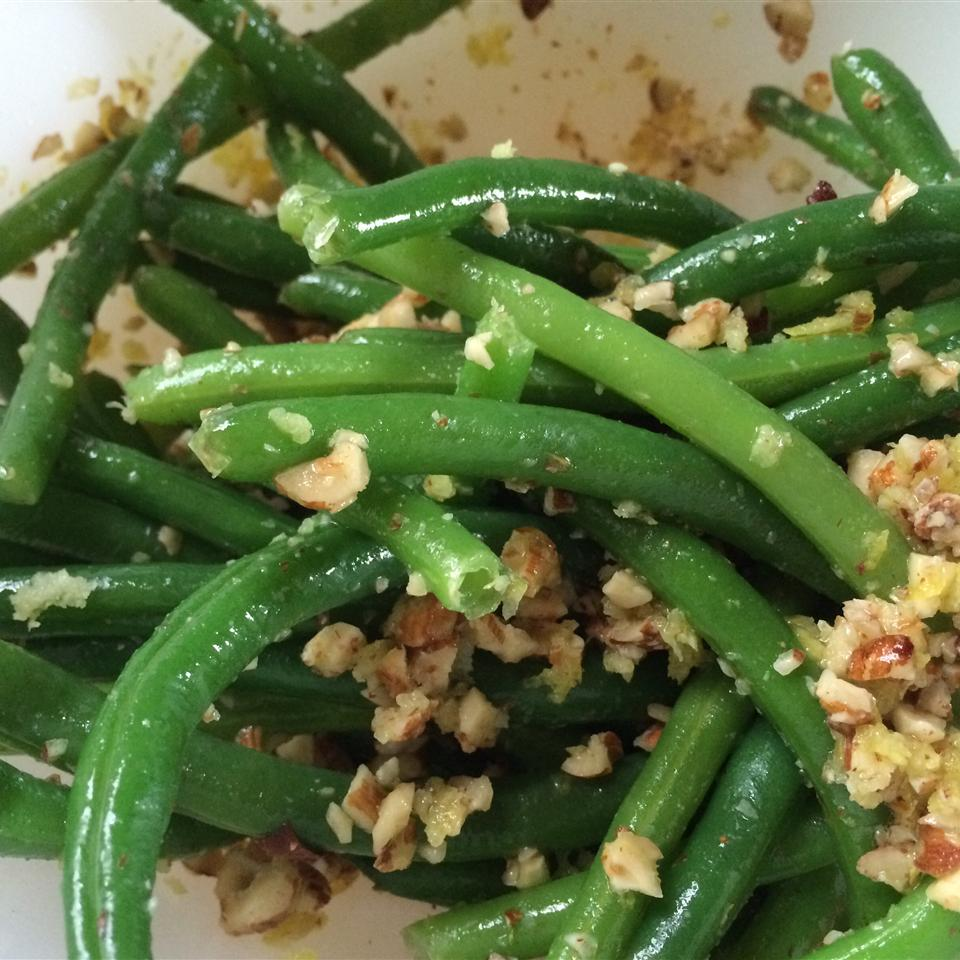 Green Beans with Hazelnuts and Lemon Ayla