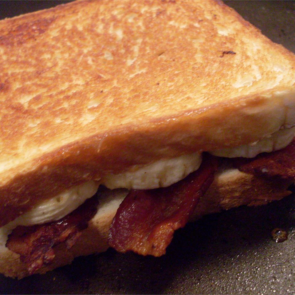 Elvis Sandwich Zach