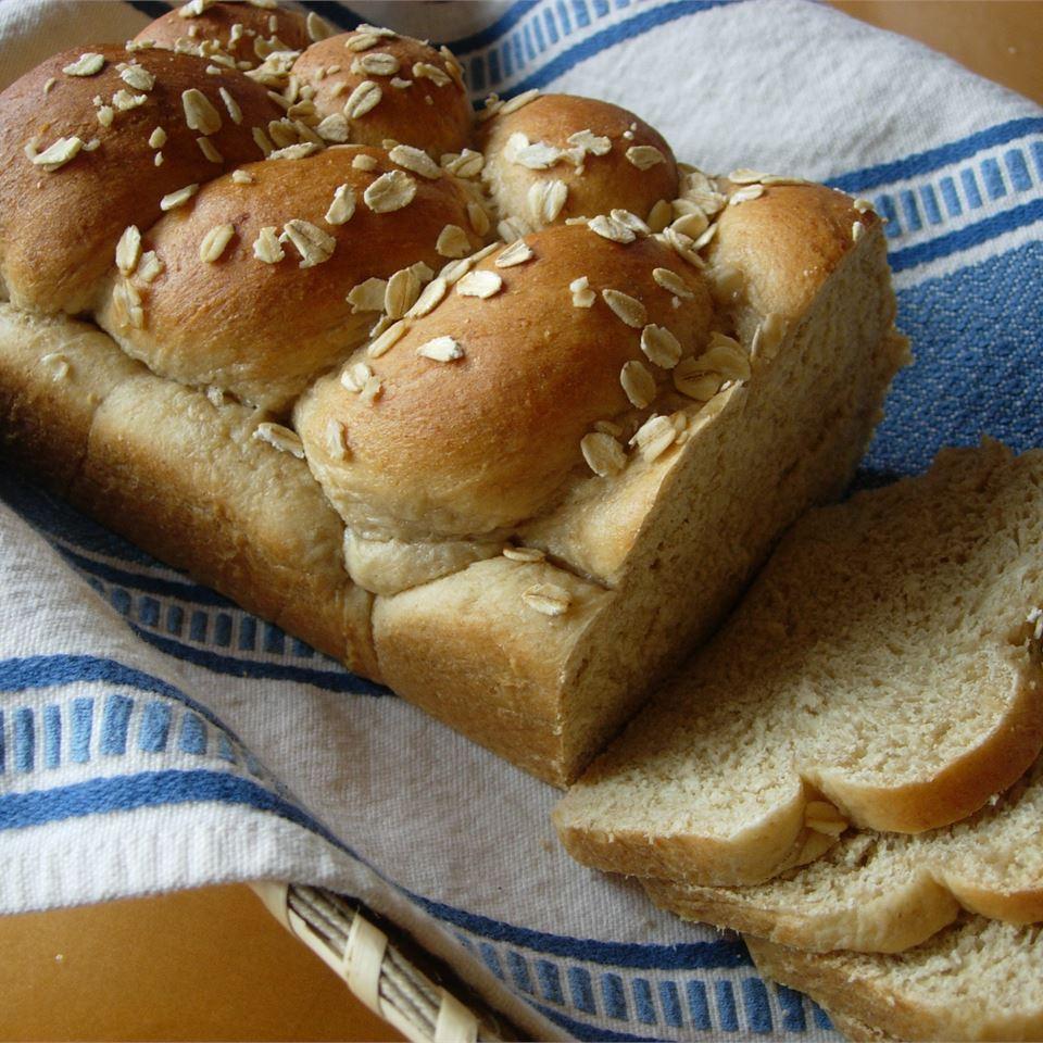 Honey Oatmeal Bread II Leslie Vaughn