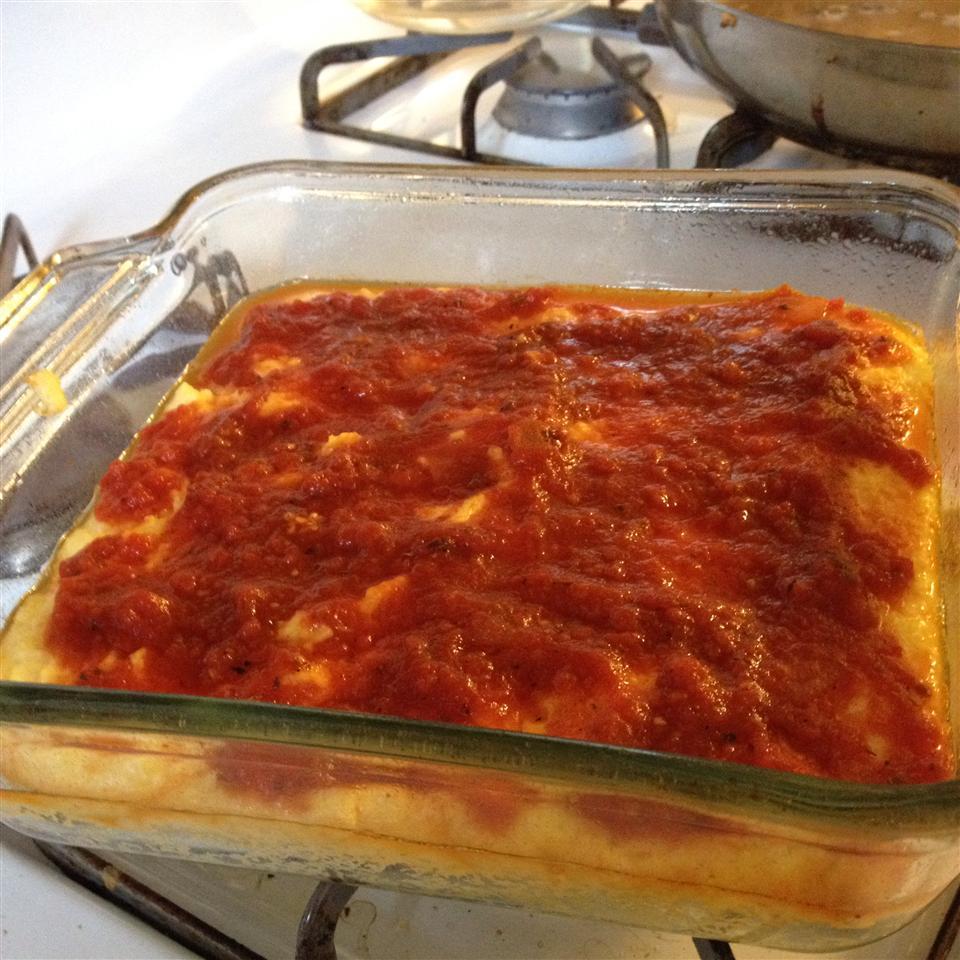 Easy Polenta with Tomato Sauce gerridoll