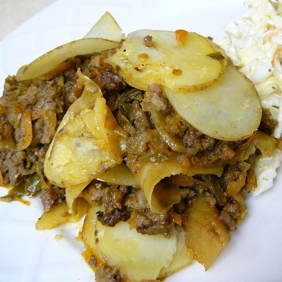 Serbian Ground Beef, Veggie, and Potato Bake Molly