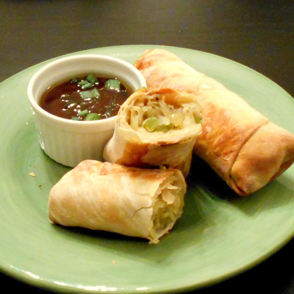 Jan's Simple and Tasty Egg Rolls ONIOND