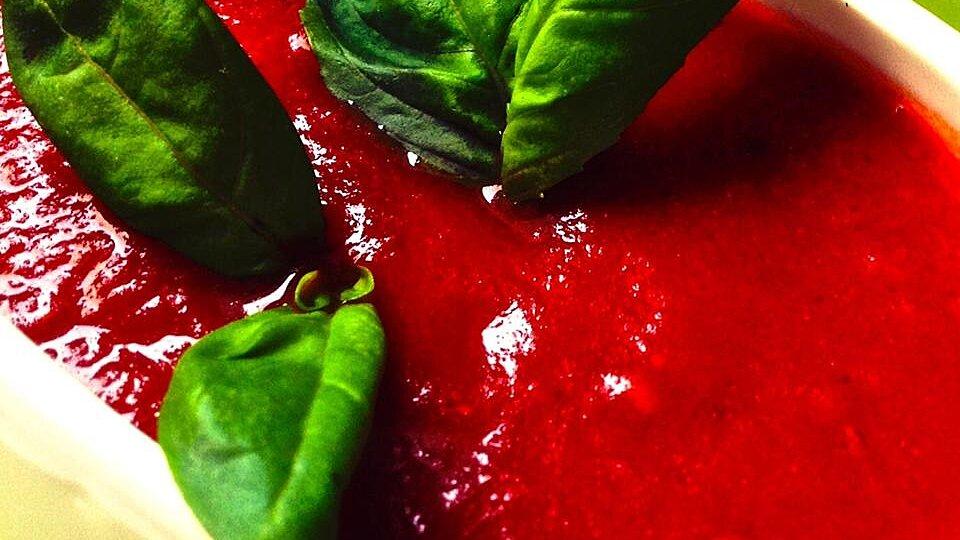 Maria's Tomato-Basil Spaghetti Sauce