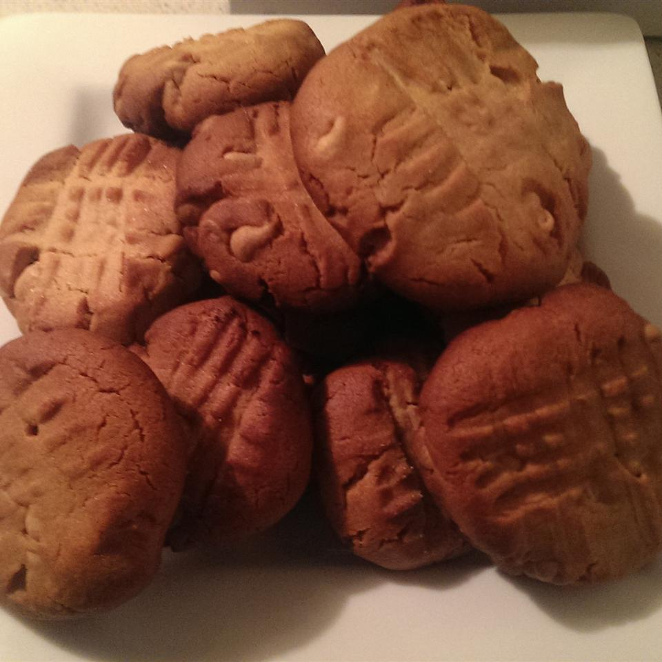 Peanut Butter Chip Cookies I Jomichael Braswell