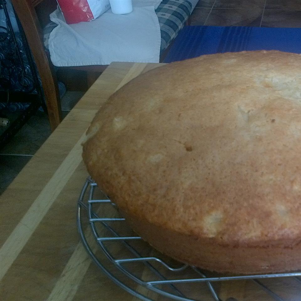 Easy Pineapple Cake