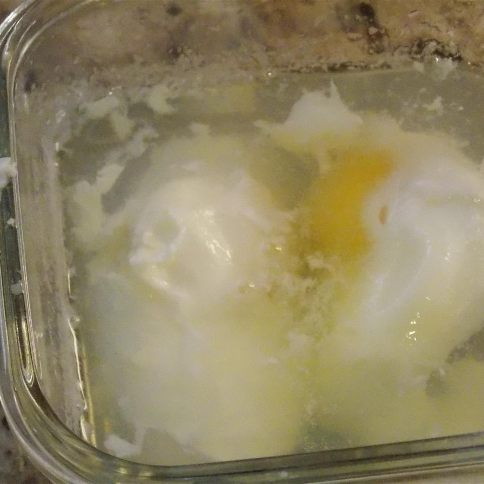 Easy Microwave Poached Eggs