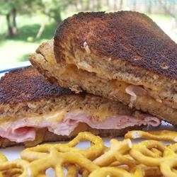 Grilled Ham and Cheese With a Twist pomplemousse