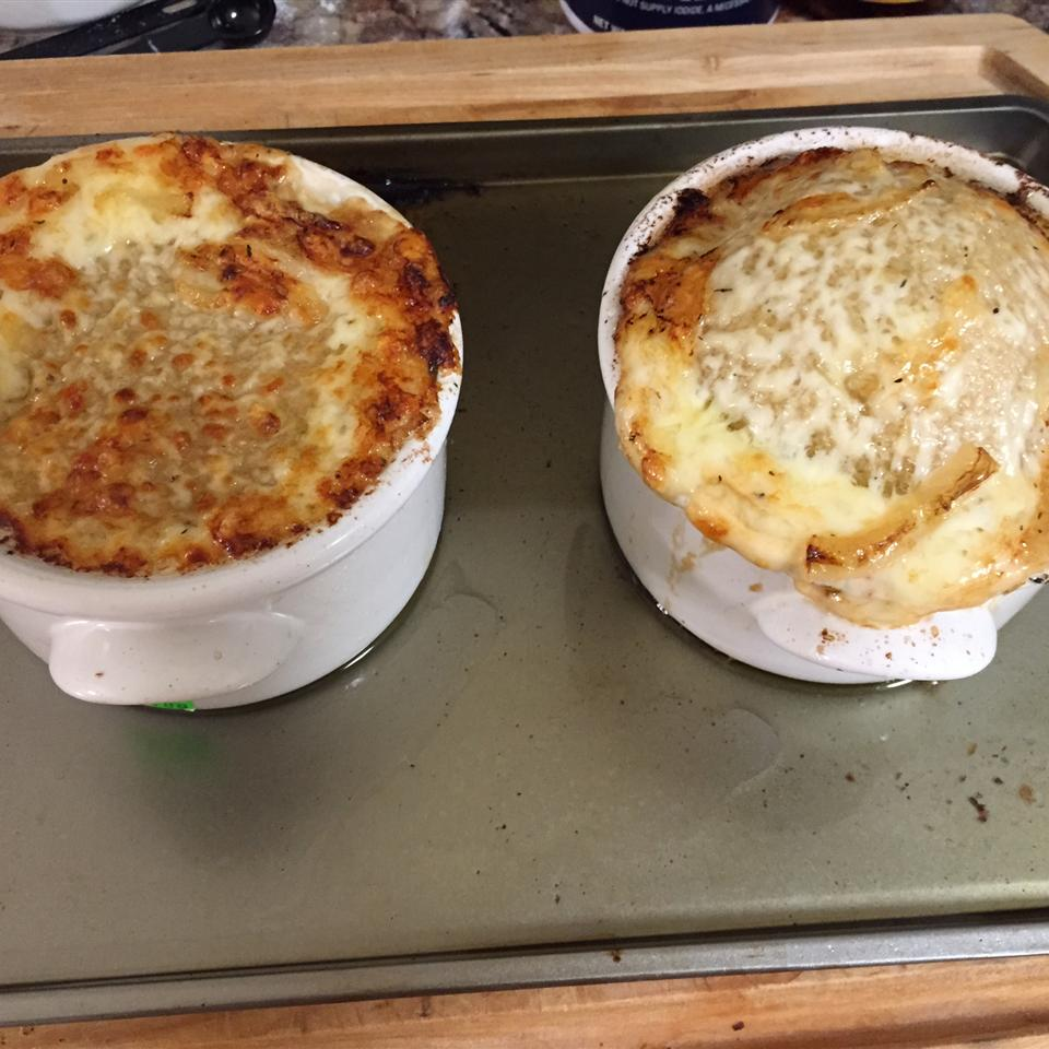 Rich and Simple French Onion Soup Jennah