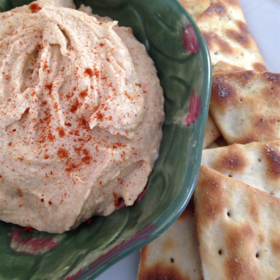 Simple Spicy Hummus