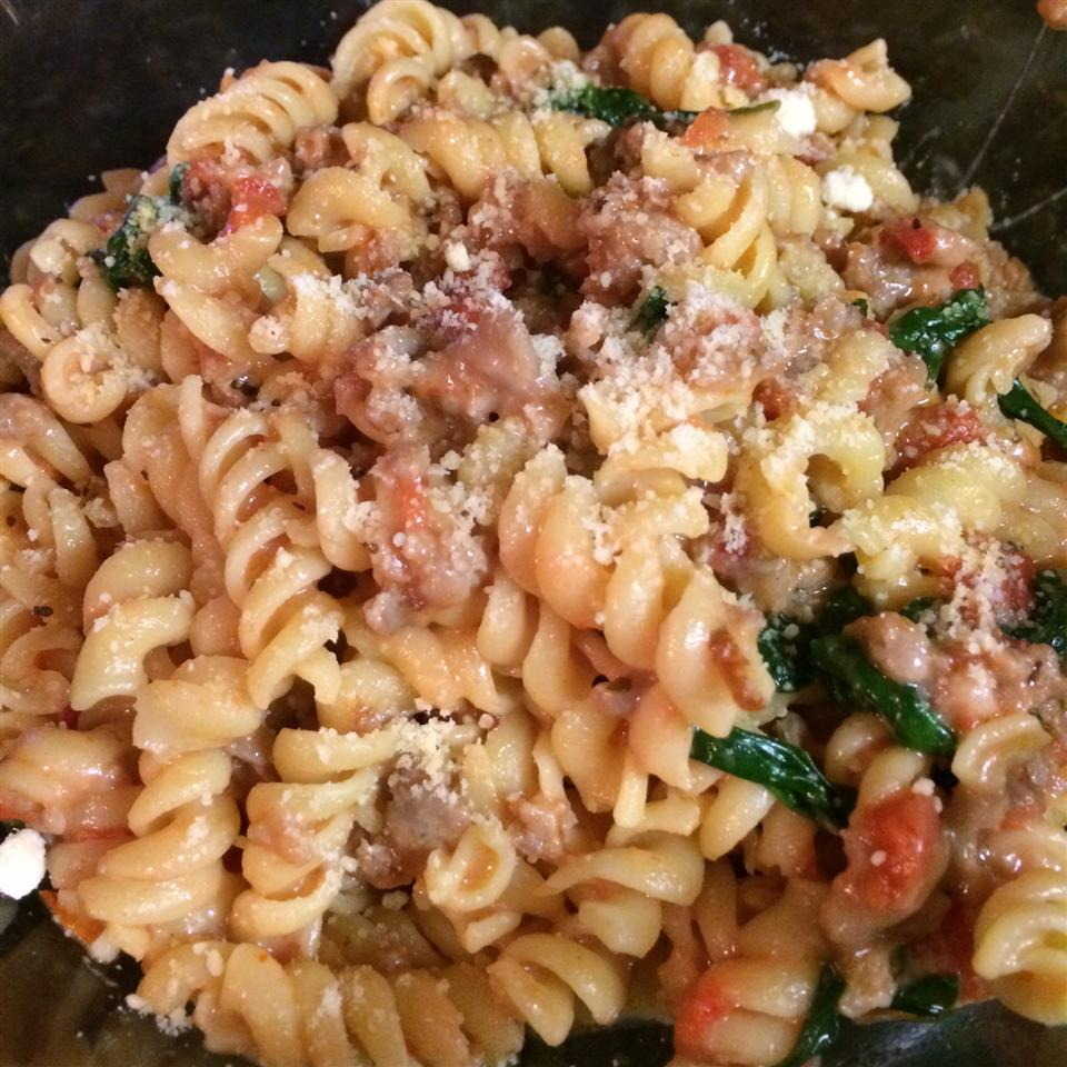 Tomato, Spinach, and Cheese Pasta