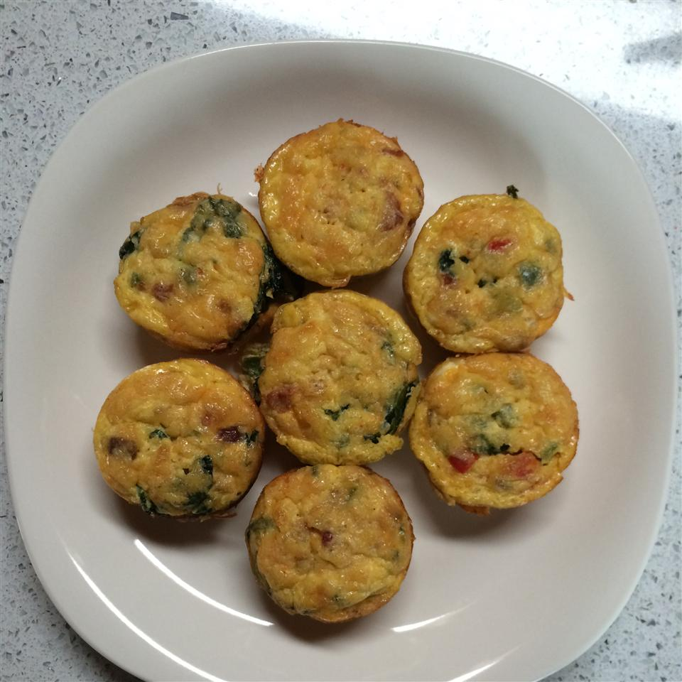 Low-Carb Bacon Spinach Egg Cups xdarxdarx