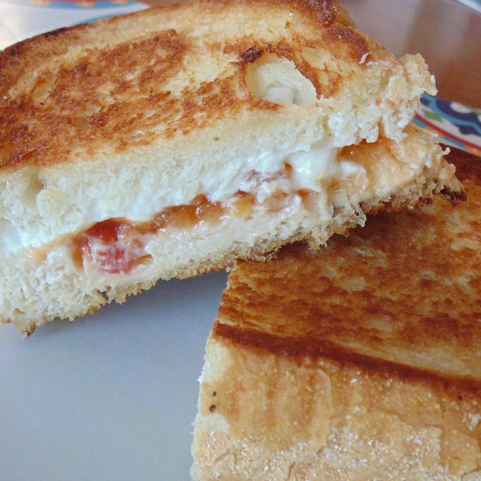 Grilled Goat Cheese and Mango Chutney Sandwich longleggedgit