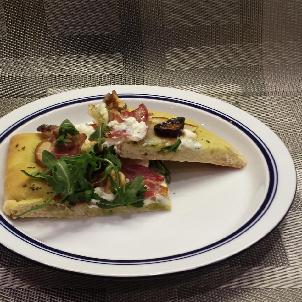 Goat Cheese, Pear, and Bacon Pizza with Pesto Sauce Doc Simonson