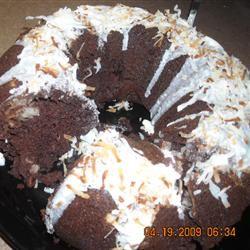 Chocaroon Cake Star Pooley and KC