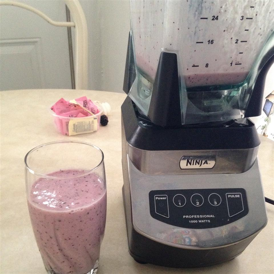 Very Berry Blueberry Smoothie Nadaa