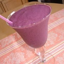 Very Berry Blueberry Smoothie Fit&Healthy Mom
