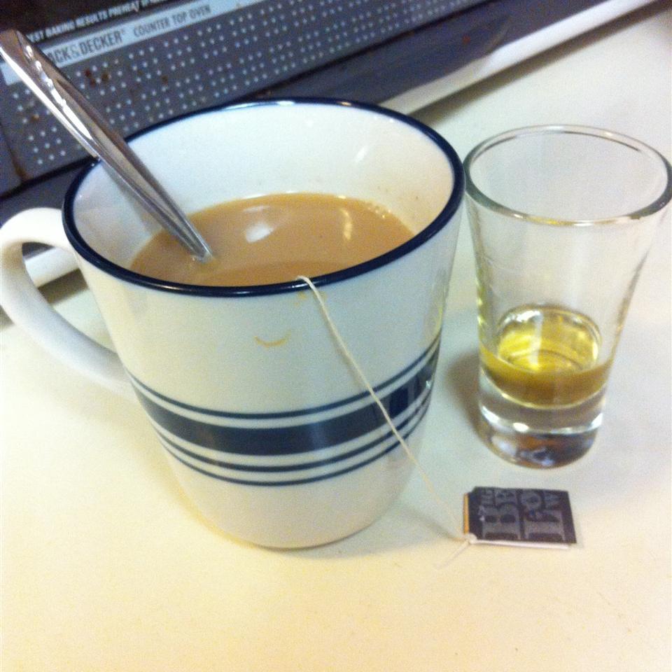 Whisky Tea CaydeSioux