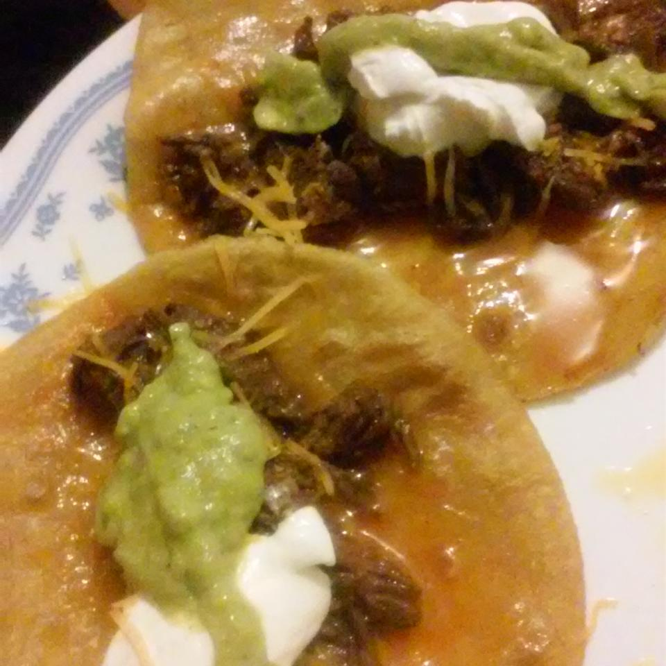 Shredded Beef Tacos with Lime Virgie Steve