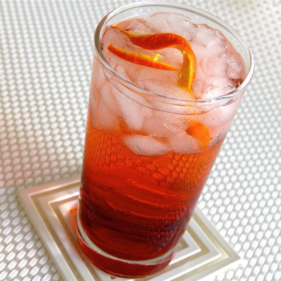 The Americano is a negroni cocktailwithout the firepower of gin. The sweet vermouth and Campari are enough, though, perfect for pre-dinner drinking, enticing the palate for the feast to follow.