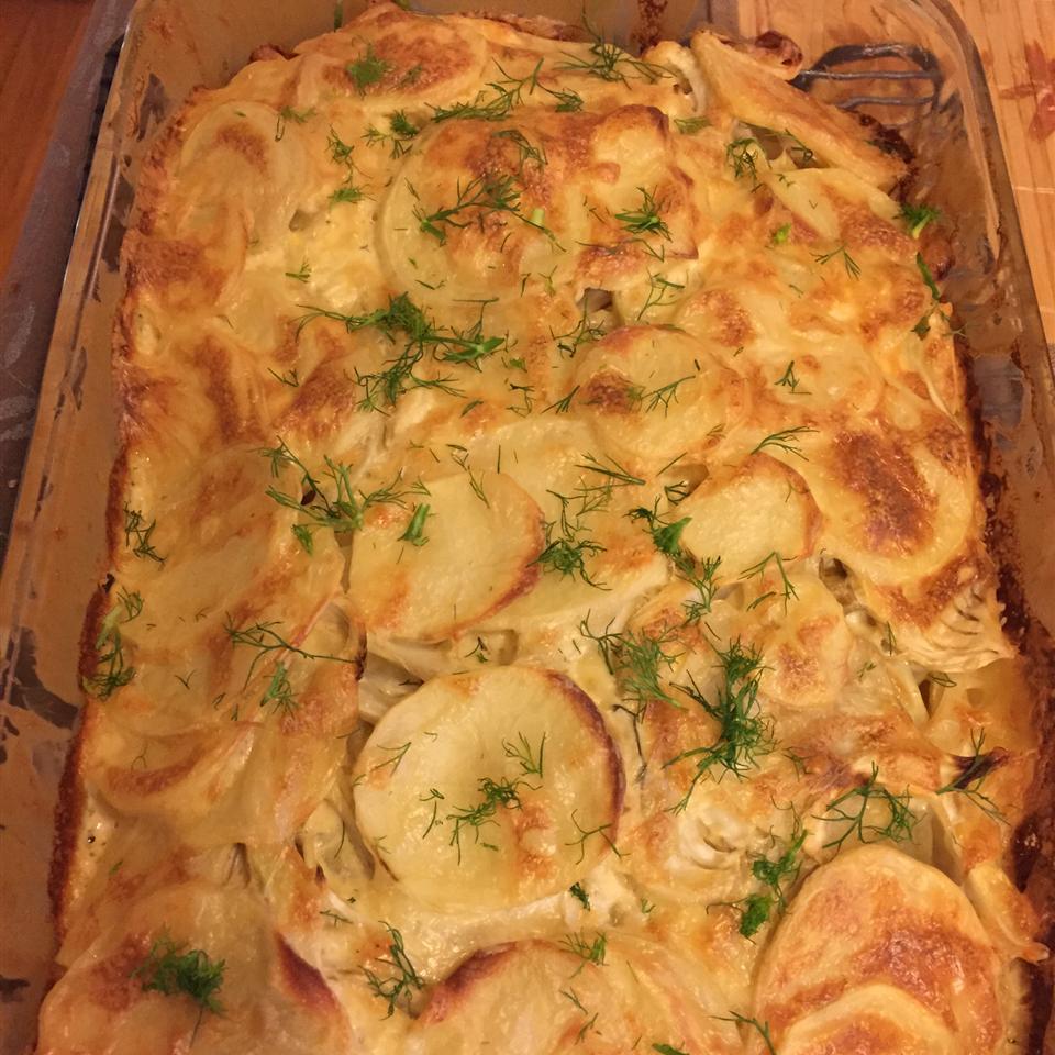 Cheddar Fennel Potato Gratin carmel