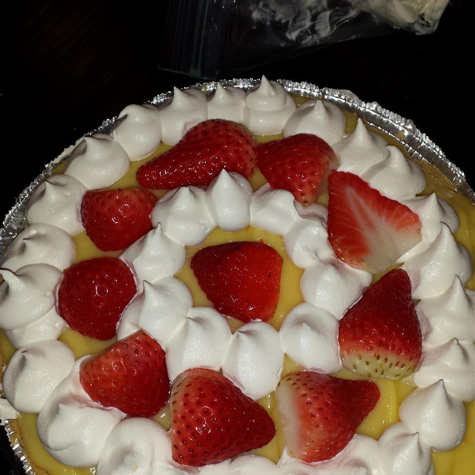 Strawberry Delight Dessert Pie