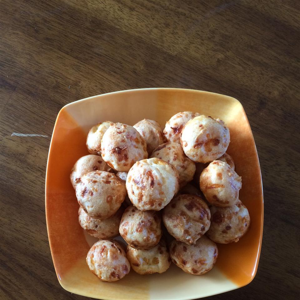 Brazilian Cheese Puffs (Pao de Queijo) lian