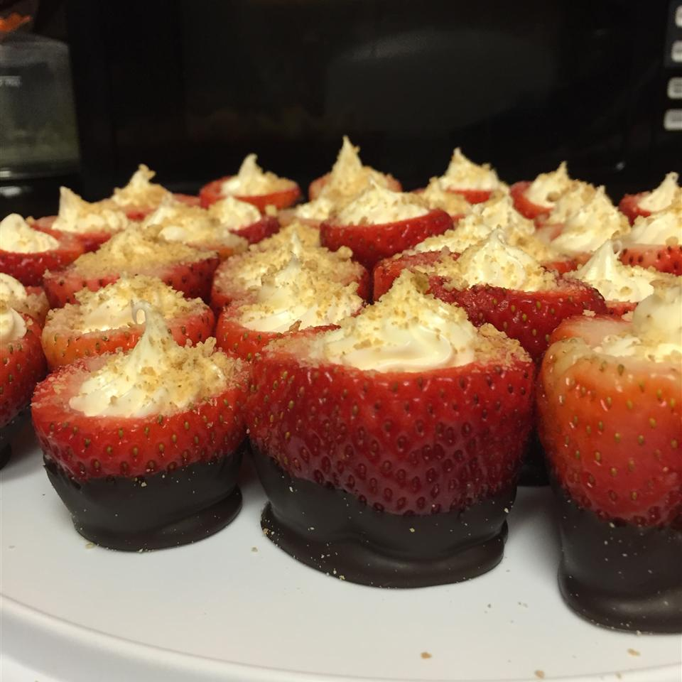 Strawberry Cheesecake Bites ucirlos